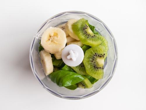 kiwi-banan-szpinak-bazylia
